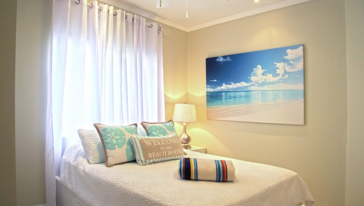 10-Guest-Bedroom-1-scaled