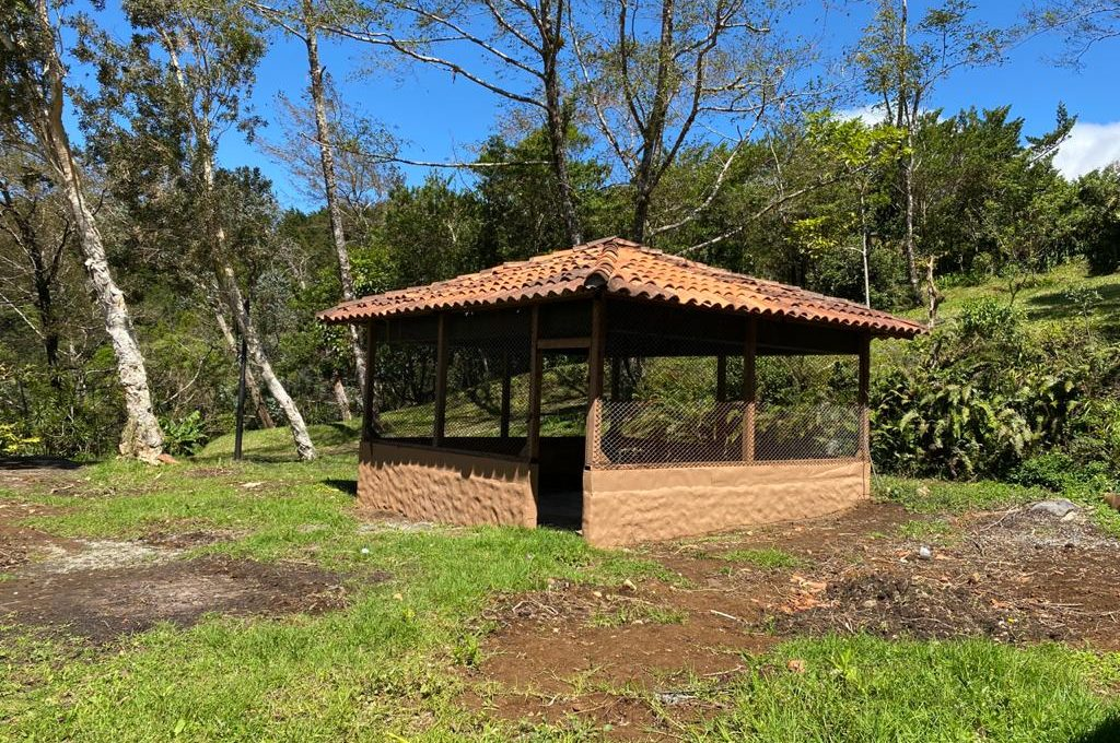 HEREDIA CHICKEN HOUSE